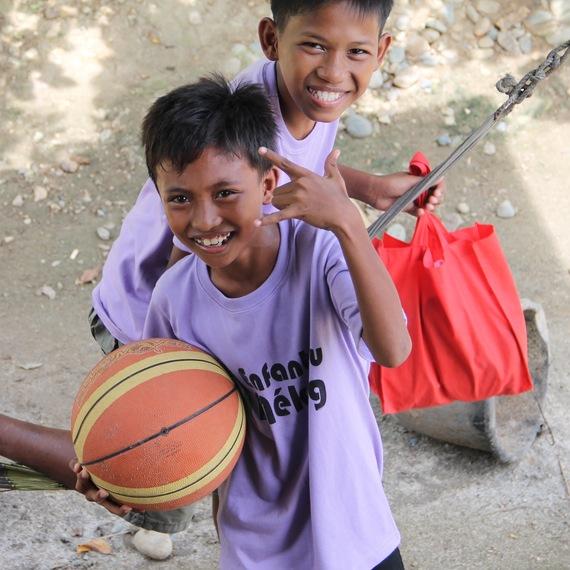 Vous donnez, je cours, les enfants mangent... n'attendez plus pour soutenir l'action d'Enfants du Mékong par votre don !